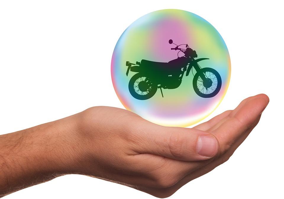 Quelle assurance moto pour les pros ?