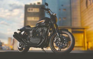 moto avec ville en arrière plan